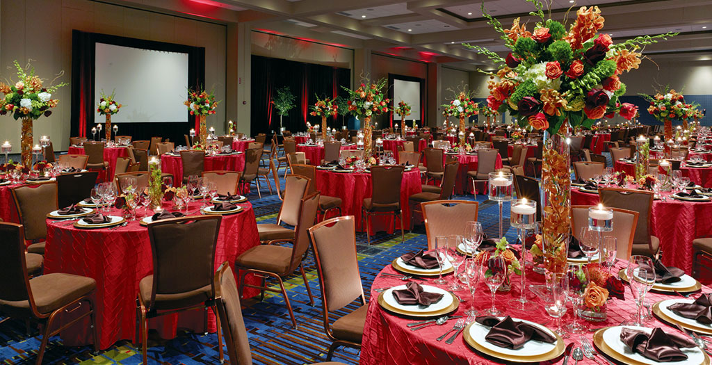 Spacious ballroom seating 900 banquet style. Image